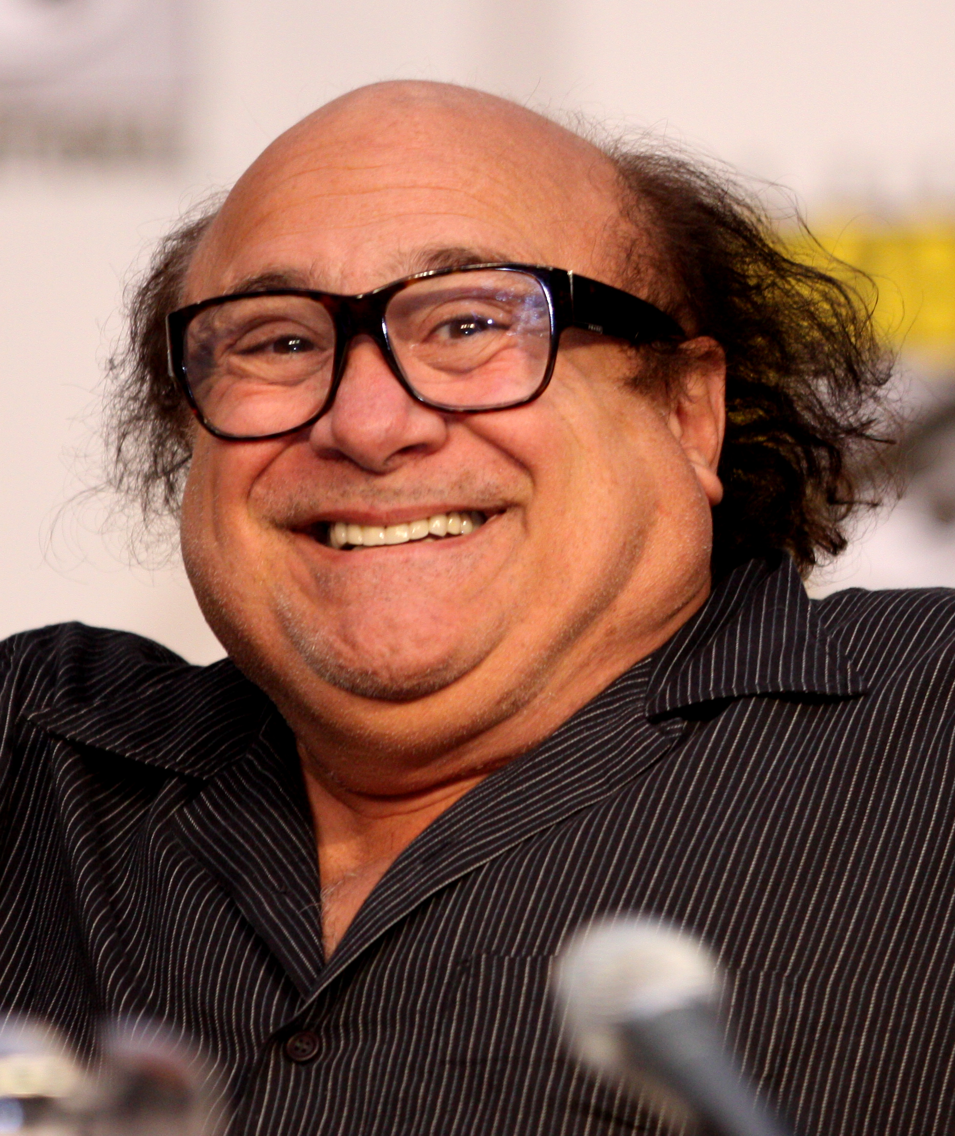 enable images to see this pic of danny devito